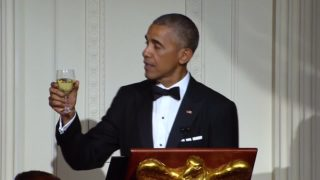 Obama toasts to 50 years of U.S.-Singapore relations