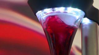 Robotic sommelier decants wine to your taste