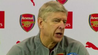 Wenger plays down link between his future and Ozil's