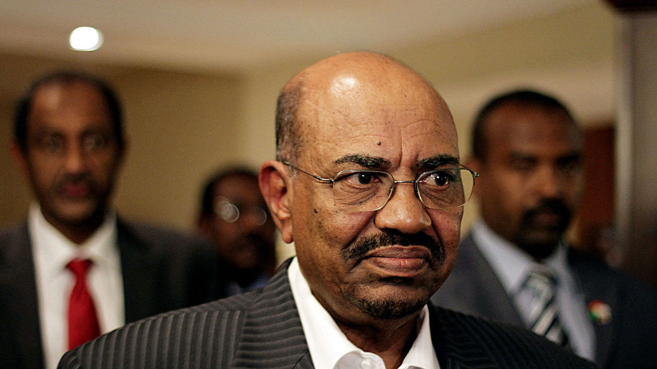 Sudan president, sought by ICC, welcomed by Jordan's king