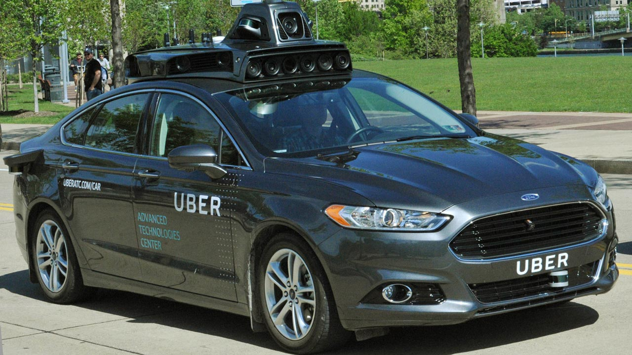 Uber says its self-driving technology differs from Waymo's
