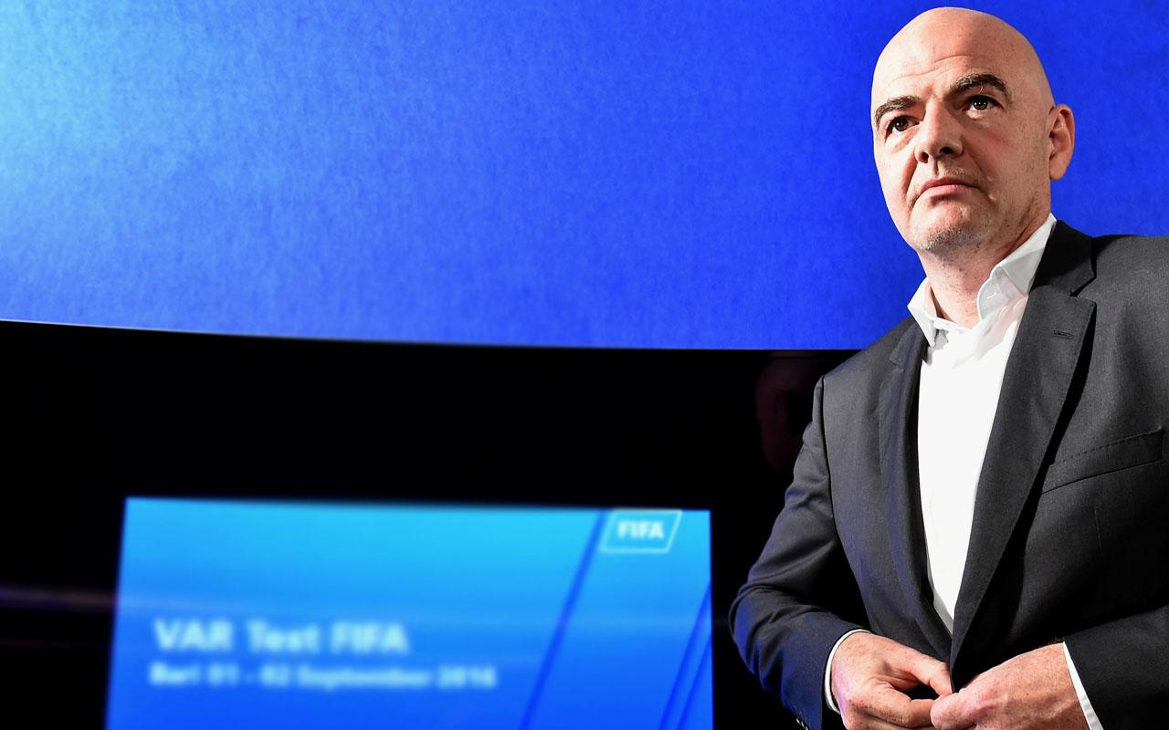 FIFA president Gianni Infantino  / AFP PHOTO / ALBERTO PIZZOLI
