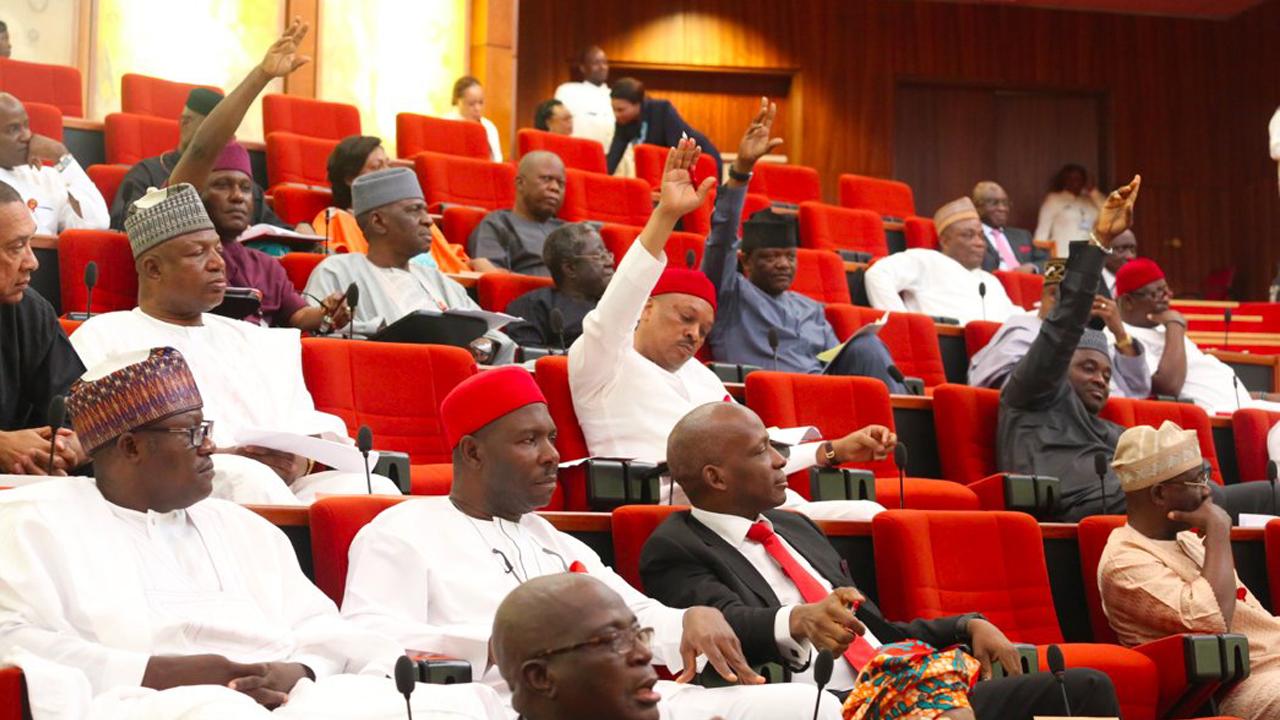 Senate rejects ban on auto  importation through land borders