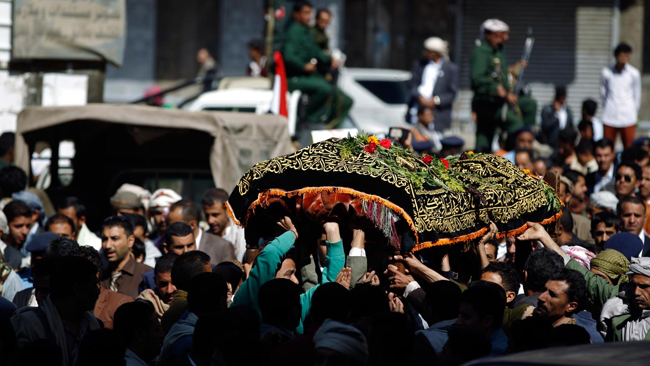 Yemeni mourners carry the coffin of Abdel Qader Hilal, the mayor of the capital Sanaa, on October 10, 2016 after he was killed in an air strike on a funeral in the Yemeni capital three days ago. The Saudi-led coalition fighting rebels in Yemen said it will investigate an air raid that killed more than 140 people at a funeral, after the US said it was reviewing support for the alliance. PHOTO: MOHAMMED HUWAIS / AFP