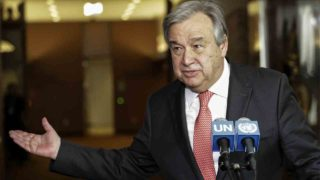 (FILES) This file photo taken on April 12, 2016 shows Antonio Guterres speaking  at the UN headquarters in New York. Portugal's former prime minister Antonio Guterres is poised to become the next secretary-general of the United Nations following a decisive vote by the Security Council on October 5, 2016. Guterres, who led the UN's refugee agency for a decade, won backing in the straw poll from 12 of the 15 council members while none of the five veto-holding powers blocked his candidacy.  / AFP PHOTO / KENA BETANCUR