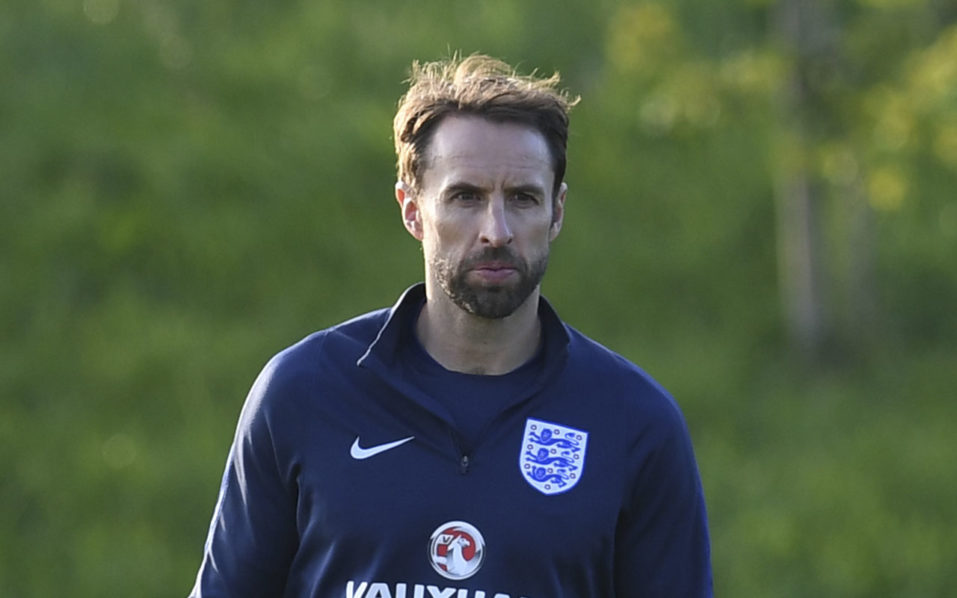 England's caretaker manager Gareth Southgate leads a training session at England's training facility at St George's Park in Burton-upon-Trent, in central England on October 4, 2016, ahead of England's 2018 World Cup qualifying football match against Malta on October 8.  / AFP PHOTO / PAUL ELLIS /