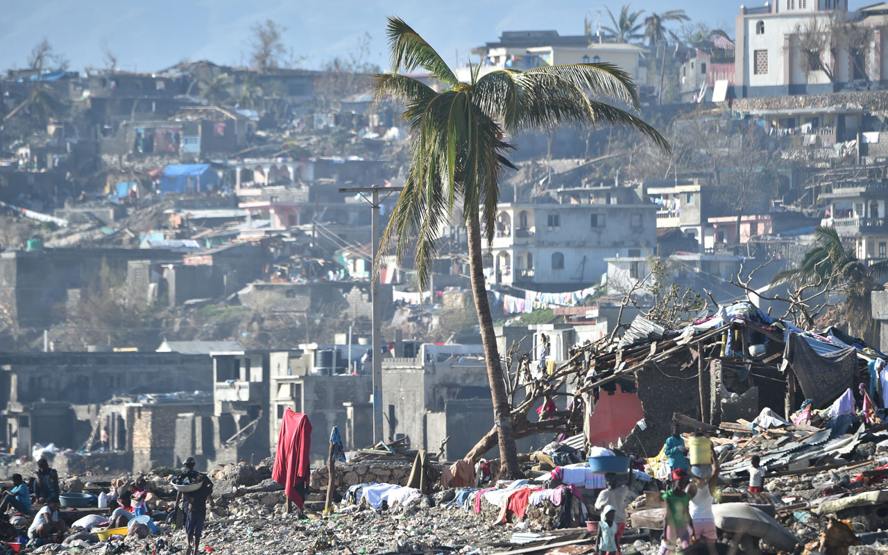 Areas of Jeremie, Haiti, destroyed by Hurricane Matthew are seen on October 8, 2016.  The full scale of the devastation in hurricane-hit rural Haiti became clear as the death toll surged over 400, three days after Hurricane Matthew leveled huge swaths of the country's south. / AFP PHOTO / HECTOR RETAMAL