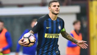 """Inter Milan's forward from Argentina Mauro Icardi reacts after Cagliari's forward of Italy Federico Melchiorri (not pictured) scored a goal during the Italian Serie A football match Inter Milan vs Cagliari at """"San Siro"""" Stadium in Milan on October 16,  2016.  / AFP PHOTO / GIUSEPPE CACACE"""