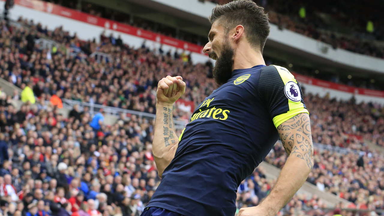 Arsenal's French striker Olivier Giroud / AFP PHOTO / Lindsey PARNABY