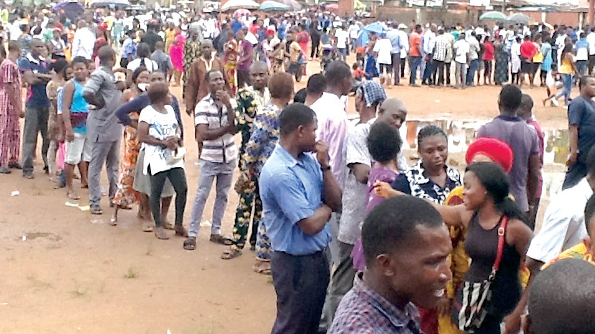Voters queue up on election day