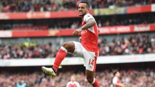 Arsenal's English midfielder Theo Walcott  / AFP PHOTO / Justin TALLIS /