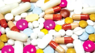 Researchers have identified certain nonsteroidal anti-inflammatory drugs (NSAIDs) that may raise the risk of hospital admission for heart failure                            PHOTO CREDIT: marcpro.com