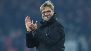 Liverpool's German manager Jurgen Klopp gestures to the crowd at the end of the English Premier League football match between Liverpool and Sunderland at Anfield in Liverpool, north west England on November 26, 2016. / AFP PHOTO / Paul ELLIS /