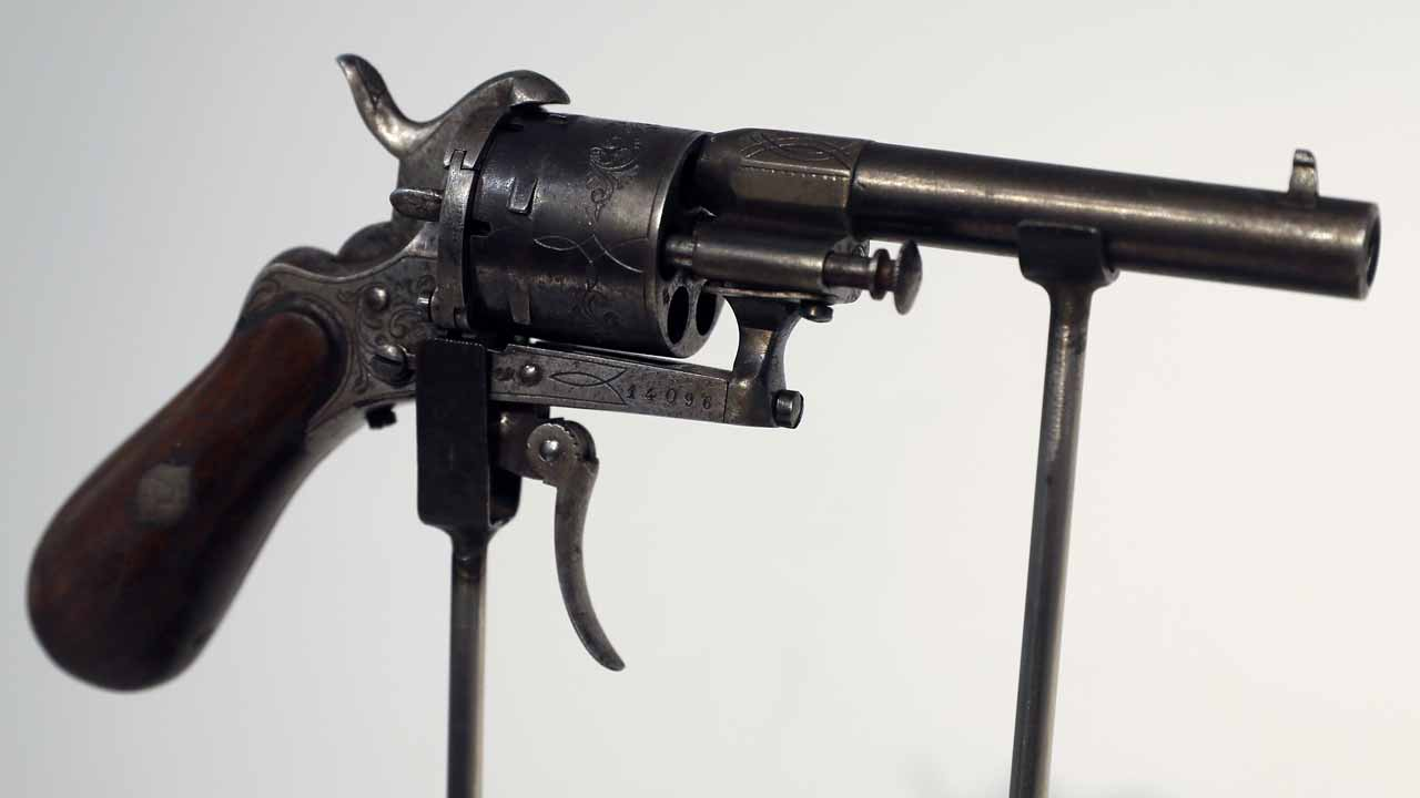 The revolver with which French poet Paul Verlaine tried to kill his lover Arthur Rimbaud is displayed at Christie's auction house before the most famous gun in French literature goes under the hammer in Paris on November 30, 2016. Thomas SAMSON / AFP