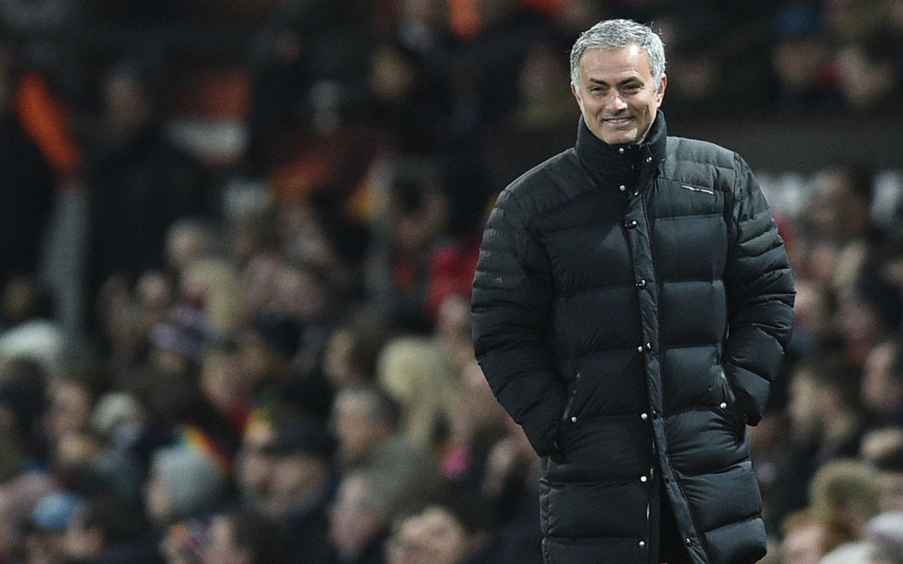 Manchester United's Portuguese manager Jose Mourinho / AFP PHOTO / Oli SCARFF