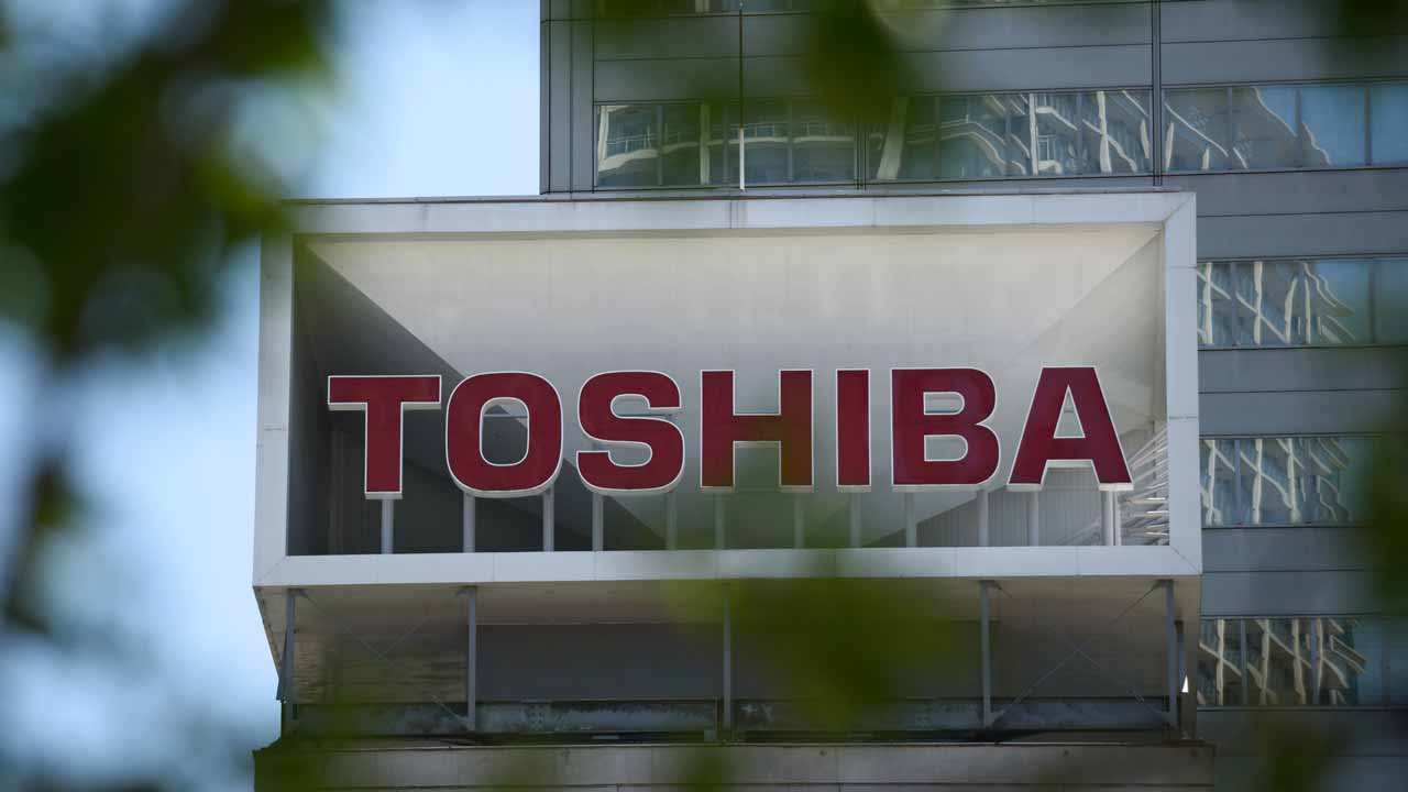 Toshiba Hit 2017 Low: Offered Chip Shares For Loan Collateral