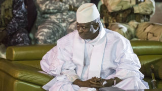 Yahya Jammeh looking / AFP PHOTO / MARCO LONGARI