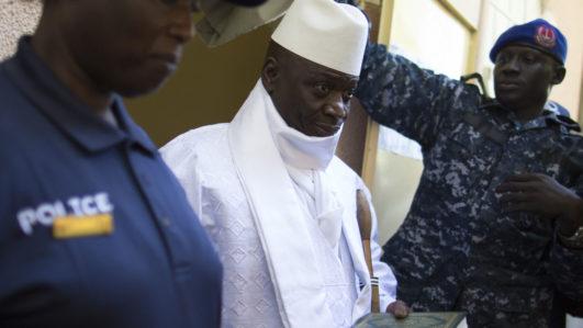 Yahya Jammeh / AFP PHOTO / MARCO LONGARI