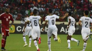 255f707800000578-2941812-ghana_players_rush_to_celebrate_after_jordan_ayew_opened_the_sco-a-72_1423173831578