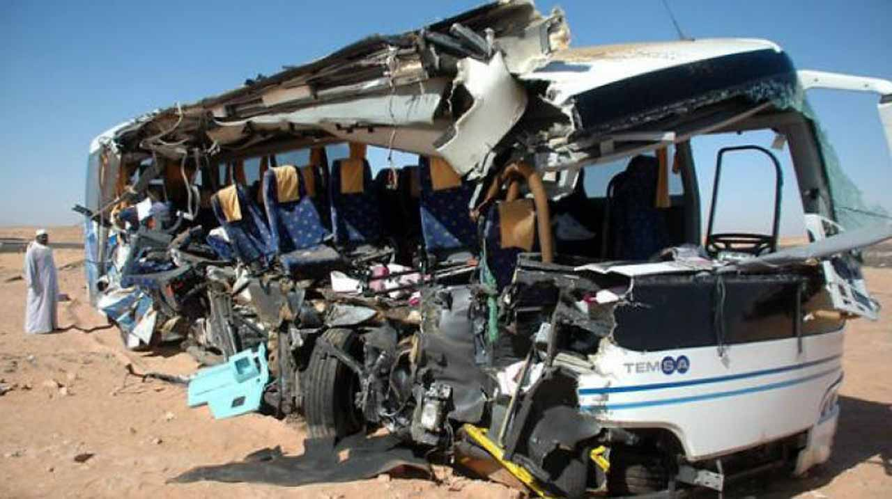 Two major bus crashes in Morocco and Algeria killed a total of 19 people early Saturday and injured almost three dozen more, media reported.