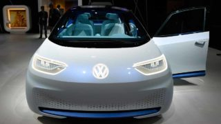LAS VEGAS, NV - JANUARY 05: Volkswagen's I.D., an autonomous self-driving concept vehicle is displayed at the Volkswagen booth at CES 2017 at the Las Vegas Convention Center on January 5, 2017 in Las Vegas, Nevada. CES, the world's largest annual consumer technology trade show, runs through January 8 and features 3,800 exhibitors showing off their latest products and services to more than 165,000 attendees. David Becker/Getty Images/AFP  David Becker / GETTY IMAGES NORTH AMERICA / AFP