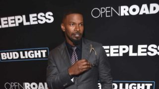"""LOS ANGELES, CA - JANUARY 05: Actor Jamie Foxx arrives at the premiere of Open Road Films' """"Sleepless"""" at the Regal LA Live Stadium 14 Theatre on January 5, 2017 in Los Angeles, California. Kevin Winter/Getty Images/AFP  KEVIN WINTER / GETTY IMAGES NORTH AMERICA / AFP"""