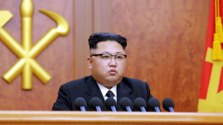 This picture released by North Korean news agency Korean Central News Agency (KCNA) on January 1, 2017 shows North Korean leader Kim Jong-Un delivering the new year message in Pyongyang. / AFP PHOTO / KCNA VIA KNS / STRINGER / South Korea OUT / REPUBLIC OF KOREA OUT