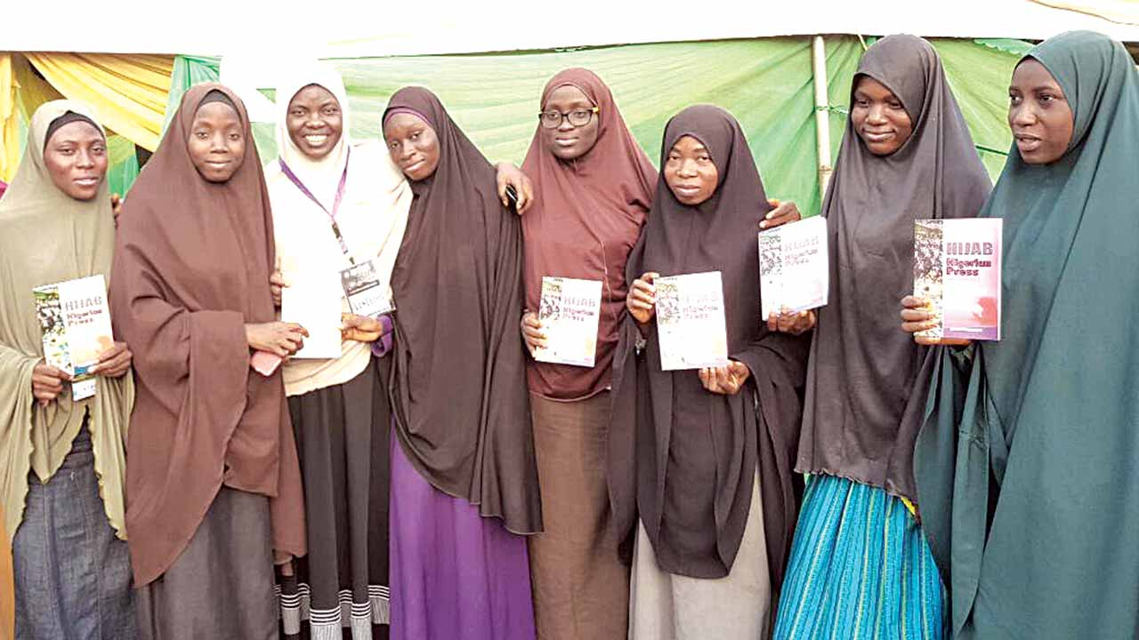 Members of Muslim Students Society of Nigeria (MSSN) with female executives of Muslim Media Practitioners during the yearly Islamic Vacation Course (IVC)