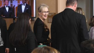 BEVERLY HILLS, CA - JANUARY 08: Actress Meryl Streep, recipient of the Cecil B. DeMille Award, walks into the press room during the 74th Annual Golden Globe Awards at The Beverly Hilton Hotel on January 8, 2017 in Beverly Hills, California. Kevin Winter/Getty Images/AFP  KEVIN WINTER / GETTY IMAGES NORTH AMERICA / AFP