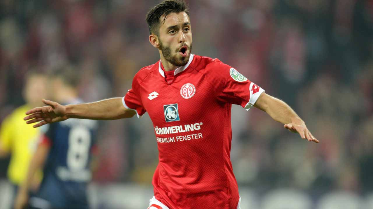 Yunus Malli has been selected as the player to fill the void left by Julian Draxler's departure from Wolfsburg, leaving Mainz to sign a four-and-a-half-year contract with Die Wolfe.