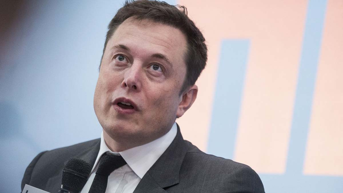 Elon Musk Advocates For Becoming A Cyborg class=