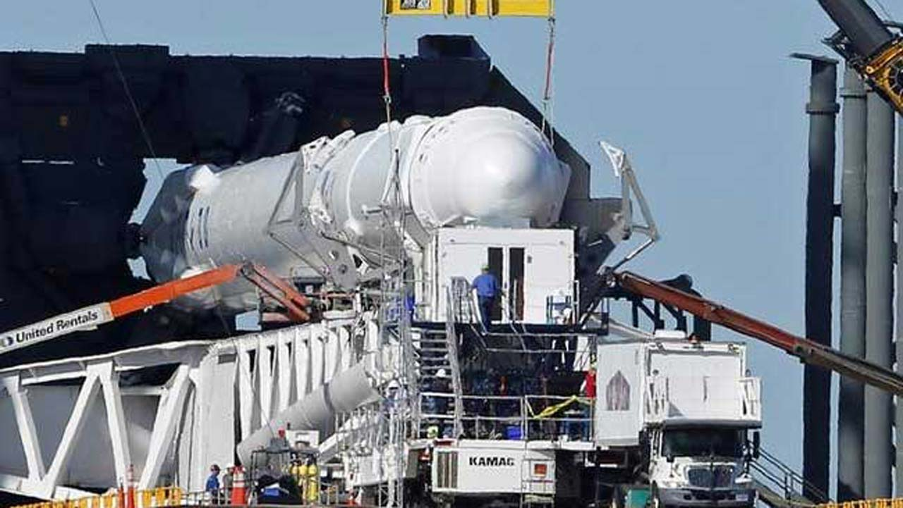 SpaceX aborts launch after 'odd' rocket engine behavior ...