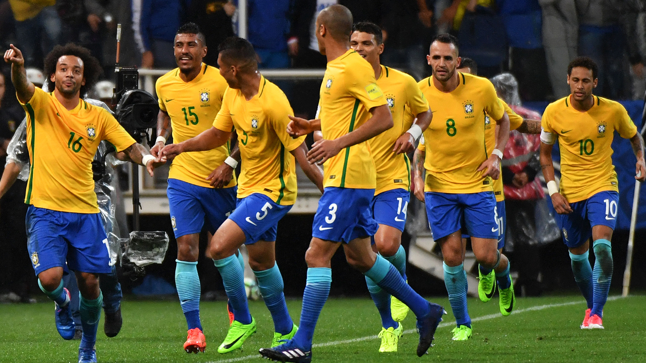 Brazil book World Cup berth as Argentina collapse ...
