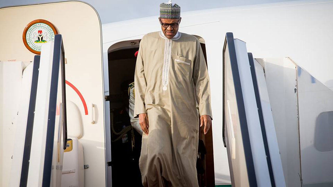 At Last! Buhari Is Back!!! Daddy Oyoyo... So Buhari Refused To Die.