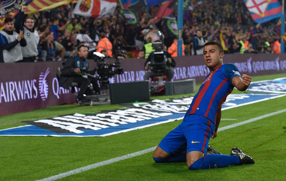 Meniscus injury sidelines Barca's Rafinha for four months